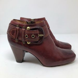65bc47d9451 Frye Andie Ankle Booties Size 8 Harness Buckle Red